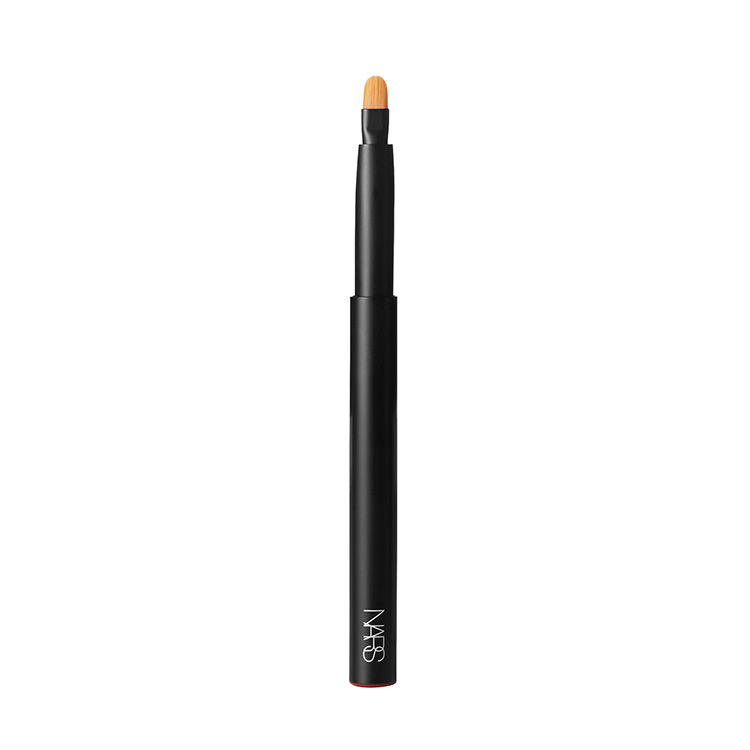 #30 PRECISION LIP BRUSH,